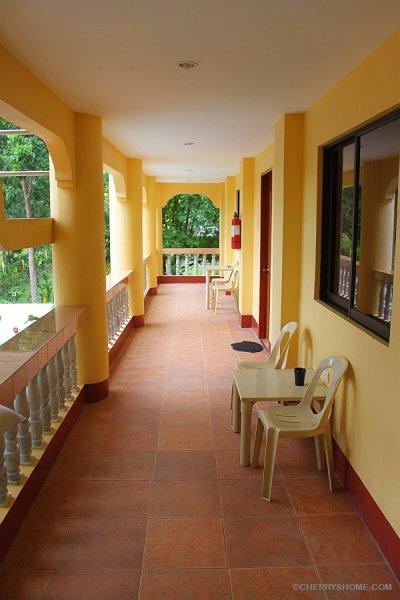 cherrys-home-no-window-room-bohol-philippines-001