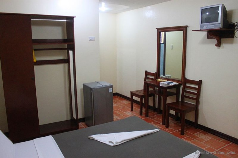 cherrys-home-no-window-room-bohol-philippines-012